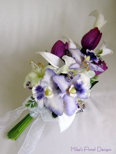 Swarovski Crystals and Freshwater Pearls in Mixed Flowers Arm Sheaf Bouquet