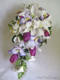 Swarovski Crystals and Glass Pearl Beads in Mixed Flowers Trailing Bouquet