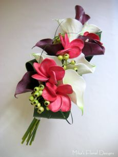 Real Touch Calla Lily and Frangipani Arm / Clutch Bouquet