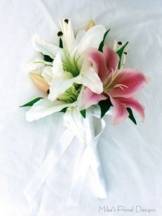 Latex Oriental Lily Flat Back Bouquet