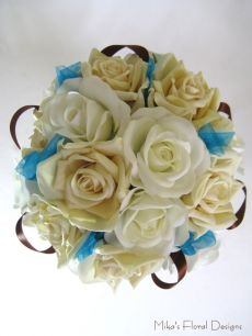 Brown Satin and Turquoise Organza Ribbon Loops in Rose Round Bouquet