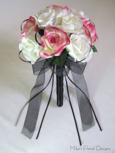 Black Satin Ribbon Loops in Rose Round Bouquet