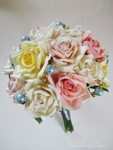 Swarovski Gold Crystal Pearl Beads in Mixed Roses Bouquet